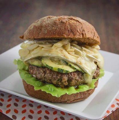 Burger Abobrinha Excêntrica + refrigerante por apenas R$ 24,90!