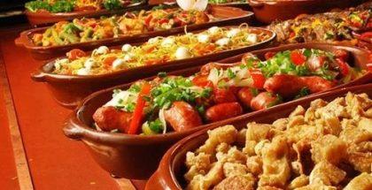 Shopping Maia: Salada + Buffet quente + sobremesa por apenas R$ 35,00!