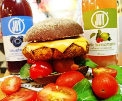Combo Vegetariano: Burguer + Joy Blueberry ou Joy Pink Limonade por apenas R$ 37,90!