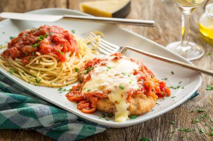 Chicken Parmigiana + Salada + Breadsticks com 50% de desconto! (Shopping Aricanduva)