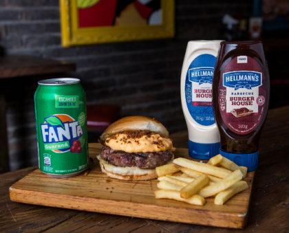 Combo R$ 30: Burger Cheddar + Fritas Palito + Refrigerante!