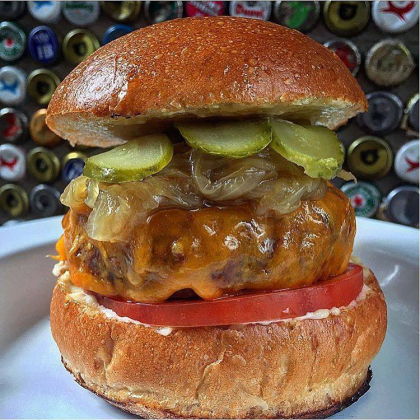 Todo o cardápio do 12 Burger and Beer com 10% de desconto!