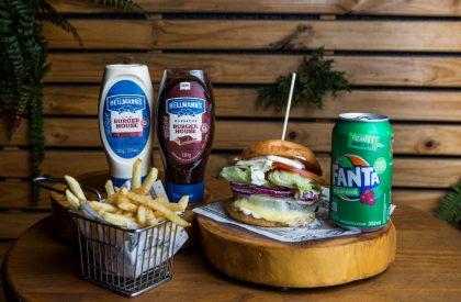 Combo R$ 30: Burger Veggie Circus + Batata + Refrigerante!