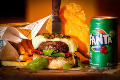 Combo R$ 30: Pete Best + Batata Frita + Refrigerante!