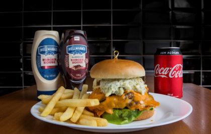 Combo R$ 30: Hambúrguer Veggie + Batata Palito + Refrigerante!
