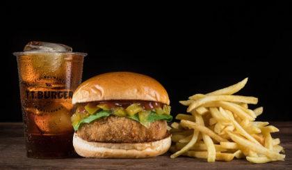 Combo R$ 40: Burger Frangueiro + Batata Palito + Coca-Cola sem açúcar