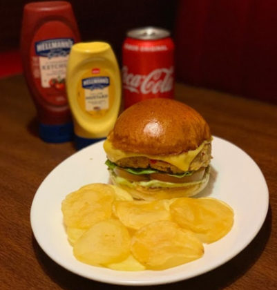 Combo R$30: Bonduelle Veggie Burger + Batata chip's + Refrigerante!