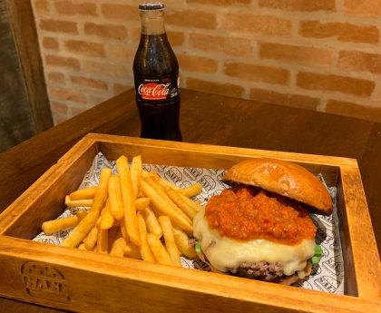 Combo R$ 30: Hambúrguer + Batata Frita + Refrigerante!