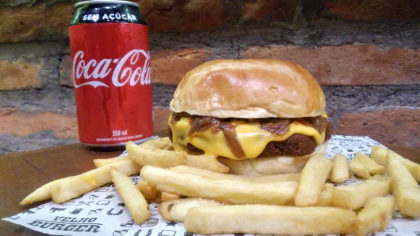 Combo R$ 30: Burger Falafel + Batata Frita + Refrigerante!