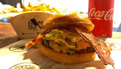 Combo R$ 25: Smash Burger + Fritas + Refrigerante!