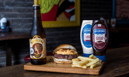 Combo R$ 36,90: Burger Cheddar + Fritas Palito + Cerveja Madalena Long Neck! [+18]
