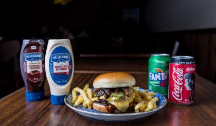 Combo R$ 30: Burger Samurai + Fritas + Refrigerante!
