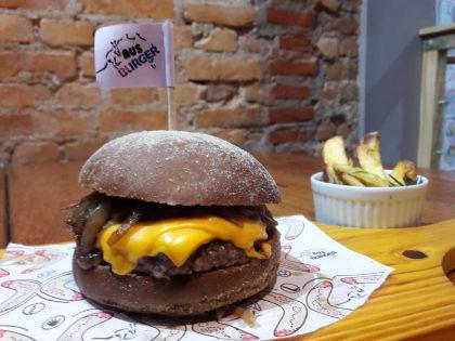 Combo R$ 30: Tasmânia Burger + Meia Porção de Batata Rústica + Refrigerante!