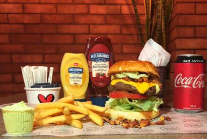 Combo R$30: Burger + Batata Rústica + Refrigerante!