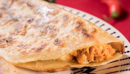 (Segunda a Quinta) 2 Tortillas de Queijo e Carne ou Frango por R$ 15,90!