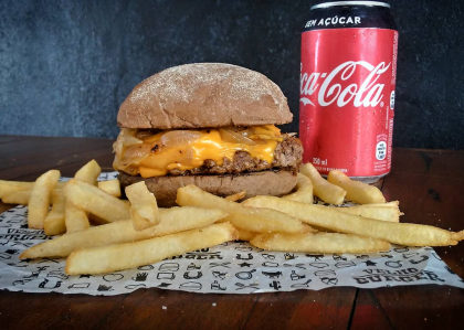 Combo R$ 30: Smash Burger + Batata Frita + Refrigerante!