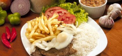 Bife + Ovo + 3 Acompanhamentos + Refrigerante lata por apenas R$ 22,90!