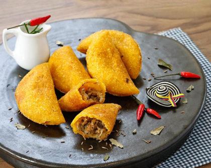 6 Empanadas Colombianas + Suco de Lulo por apenas R$ 30,00!