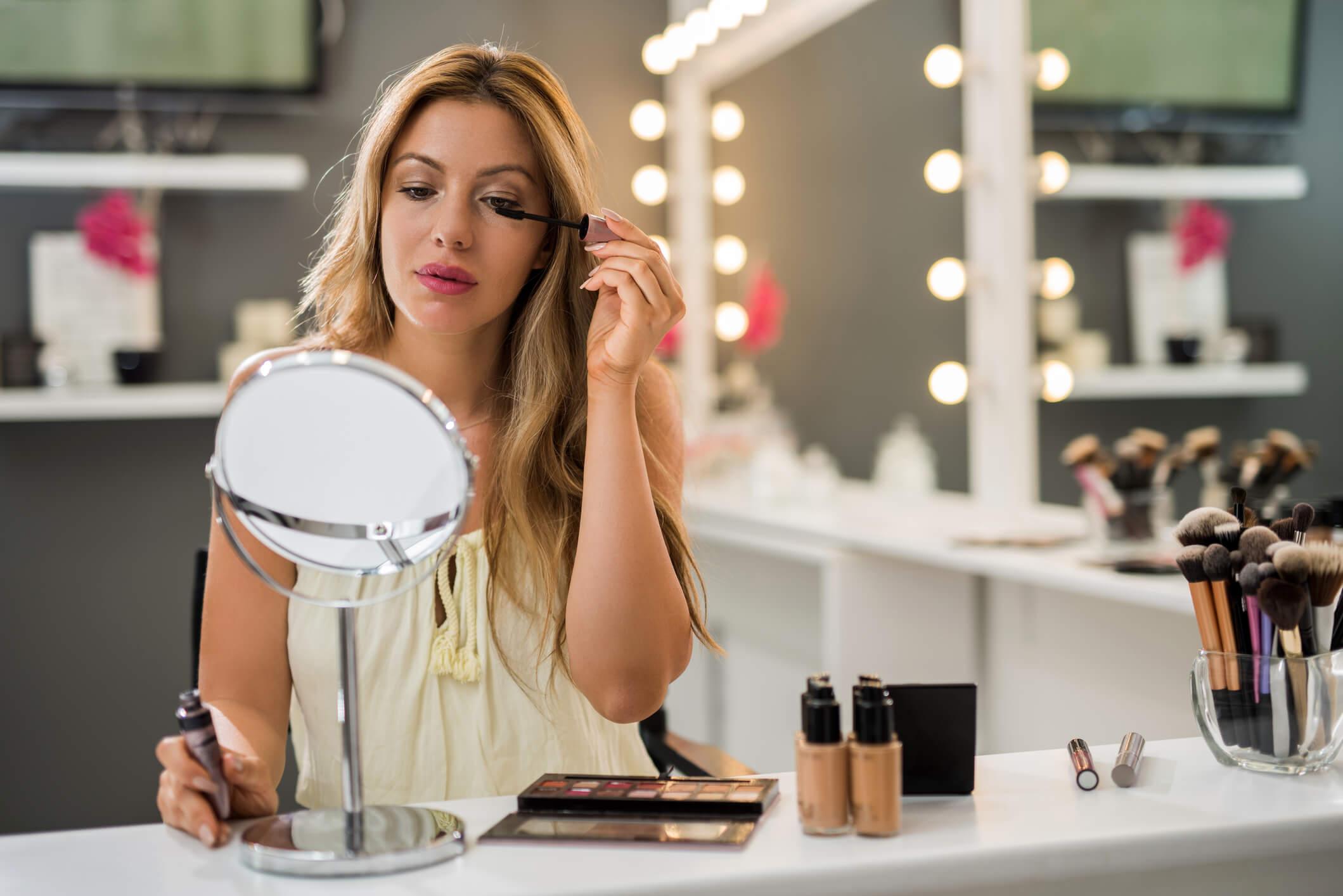 Pegue o seu cupom Mac Cosméticos e garanta sua maquiagem profissional!