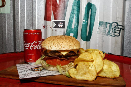 Incrível Burger bovino 160gr + Batata chips ou Bebida por apenas R$ 19,90!