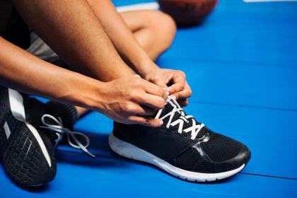 Cupom de 14% de desconto em seleção de calçados casuais na Netshoes