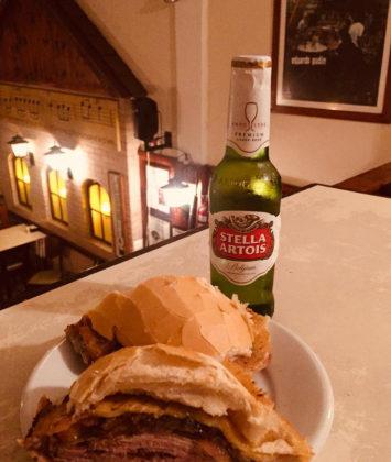 Ganhe uma Stella Artois 275ml na compra do lanche Cangalha!