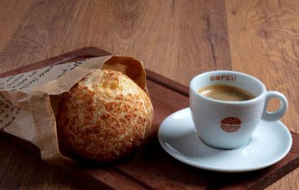 Pão de Queijo +  Café Expresso + Mini Croissant por apenas R$ 11,10!