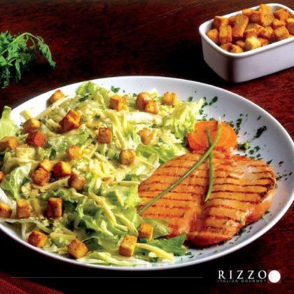 A deliciosa Salada Caesar Rizzo + Bebida por apenas R$23,90!
