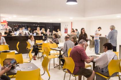 Combo Grande Pipoca + Refrigerante com 20% de desconto na Bombonière!