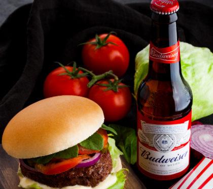 Sexta: Compre qualquer Hambúrguer e GANHE 1 Budweiser Long Neck!