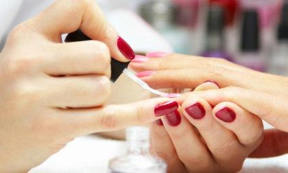 Manicure + Pedicure + Limpeza de sobrancelhas por apenas R$105!