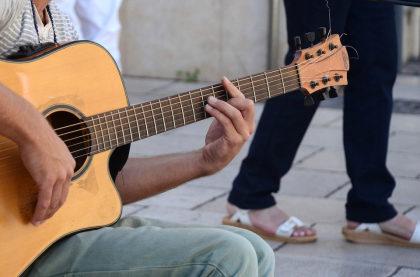 Cupom de 20% OFF em instrumentos musicais no site do Ovelha Negra