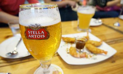 Compre a entrada do dia e ganhe uma Stella Artois!