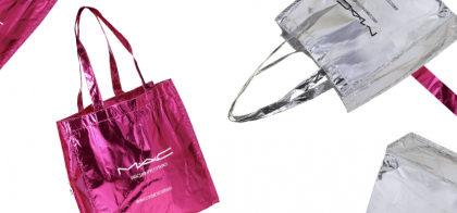 GANHE uma bolsa exclusiva da MAC nas compras de 3 produtos online!