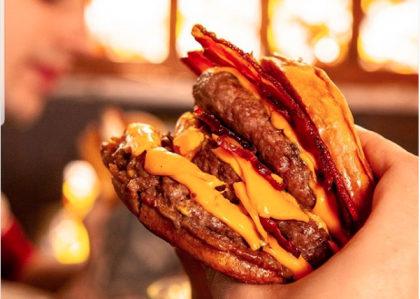 Burger + Fritas + Chá da Casa 400ml por apenas R$29,00!