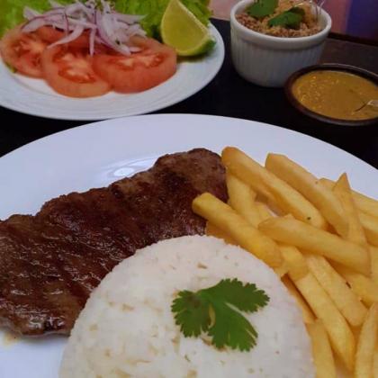 Contra Filet na Manteiga + Fritas + Arroz + Salada + Coca-Cola por R$ 28!
