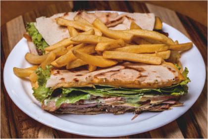 Combo: Beirute + Batata Frita + Refrigerante por apenas R$25,50!