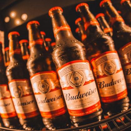 2x1: Double Budweiser de quinta e sexta-feira!