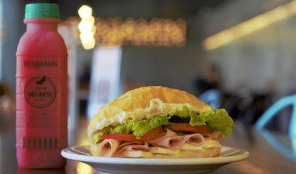 Sanduíche Light + Suco por apenas R$ 19,99!