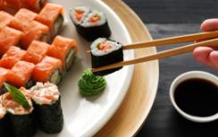 Ganhe R$10 de desconto na conta a partir de R$ 50,00 no Sushi Nodawa!