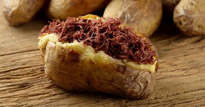 Batata Recheada com Carne Seca e Catupiry por apenas R$ 14,99!