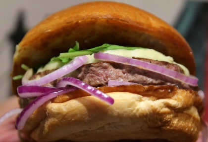 Gorgonzola Burger + Batata Frita + Refrigerante por R$35