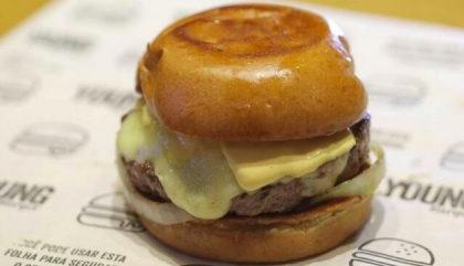 Burger Burbacon & Gruyere + Batata Frita + Refrigerante por R$35