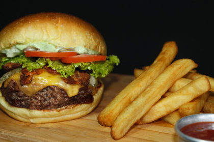 FAT BOY Burger + Batata Crunch + Refrigerante por R$35