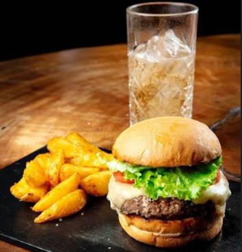 Burger + Batata Rústica + Refrigerante por R$35