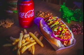 Cheese Dog Simples + Batata Frita + Refrigerante Lata por R$35