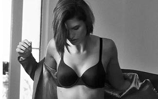 Ganhe R$100 OFF em lista feminina Calvin Klein no site da Farfetch