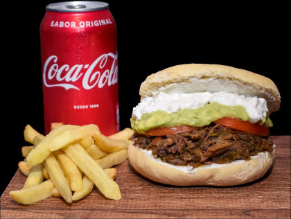 Burger Carne Mechada + Batata Frita + Refrigerante por R$35