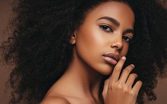 Até 50% OFF + Cupom de 30% OFF EXTRA em seleção de produtos de Beleza no site da Zattini