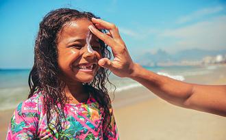 Protetor solar com até 30% OFF no site da Drogaria Onofre